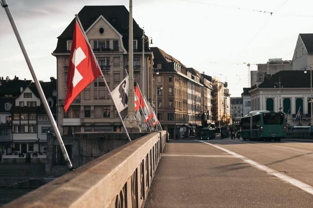 Wie wird man Grenzgänger in der Schweiz?